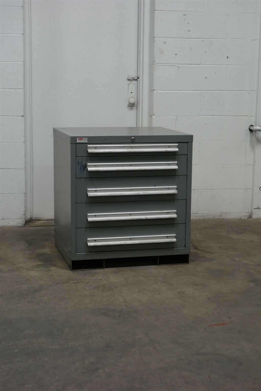 Used Lyon 5 Drawer Cabinet 33 Inch Tall Industrial Tool